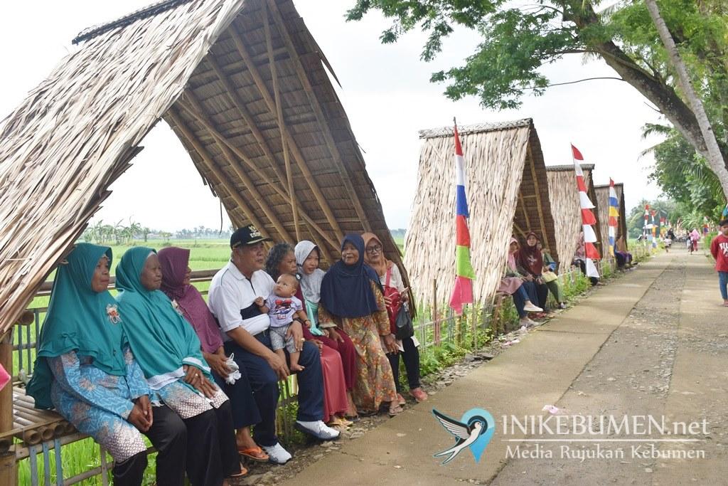 Kampung Keteb, Destinasi yang Tawarkan Nikmati Jajanan Tradisional di Pinggir Sawah