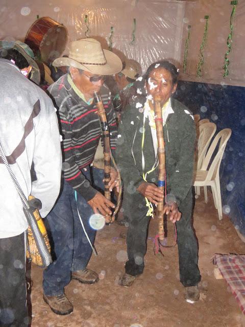 Traditionelle Krummflöten