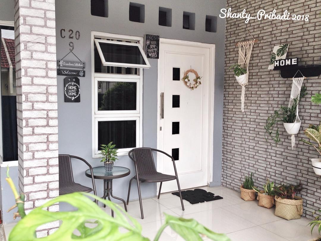 Inspirasi Teras Rumah Minimalis Simple Dan Asri Homeshabby Com Design Home Plans Home Decorating And Interior Design