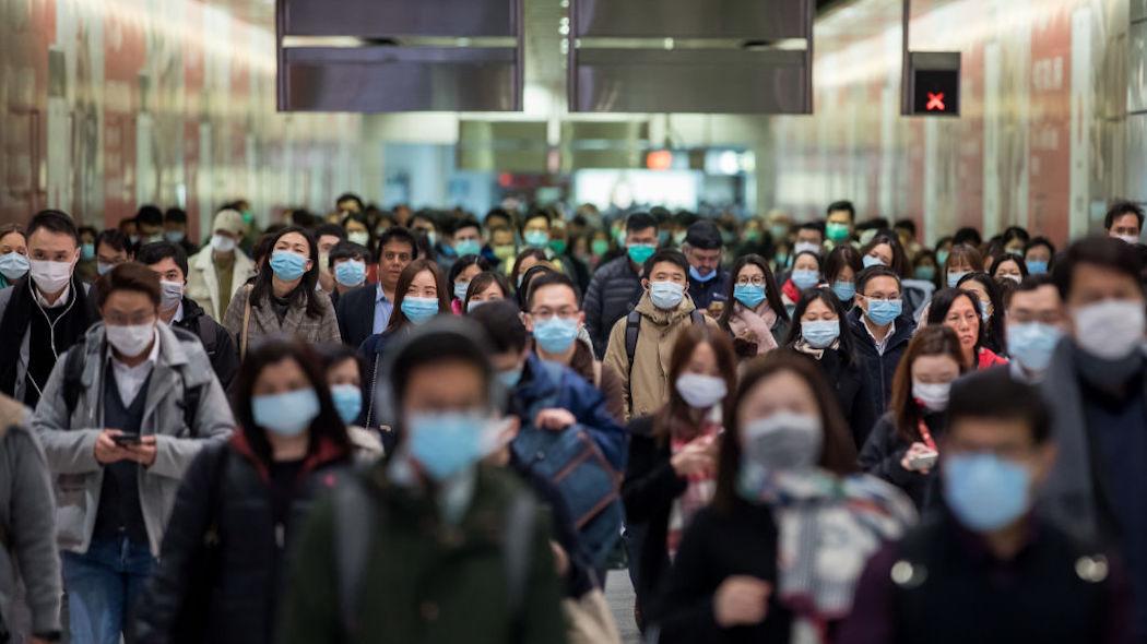 Coronavirus, nuova stretta di Facebook contro negazionisti e no-vax
