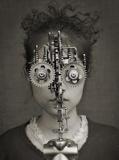 El poema: más allá de los procesos mecánicos de la lengua. Terapia y poesía. Francisco Acuyo
