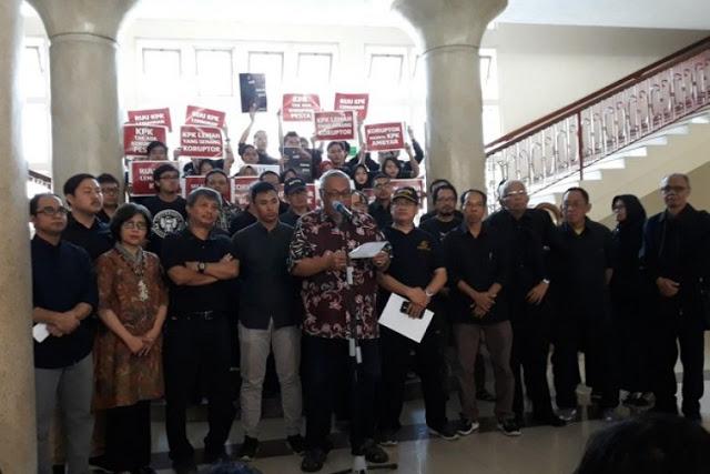 Sivitas Akademika UGM Sampaikan Surat Untuk Mas Jokowi