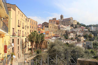 Patti, the town in Sicily where Sindona was born
