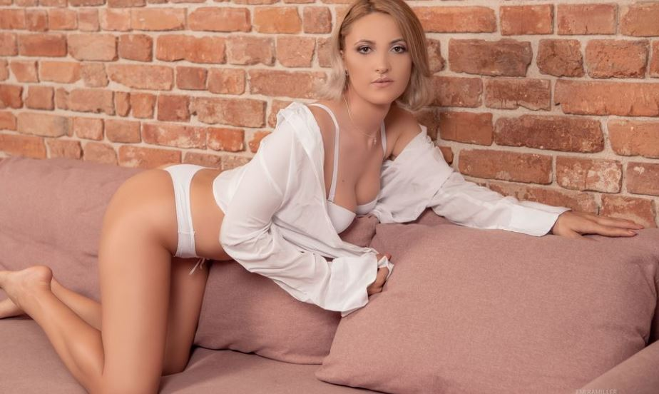 EmiraMiller Model GlamourCams