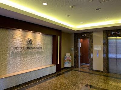 グランスパアベニューのエレベータホール