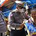 Bantu PKL, Ditlantas Polda Sulsel Borong Dagangan dengan Harga 10 Kali Lipat
