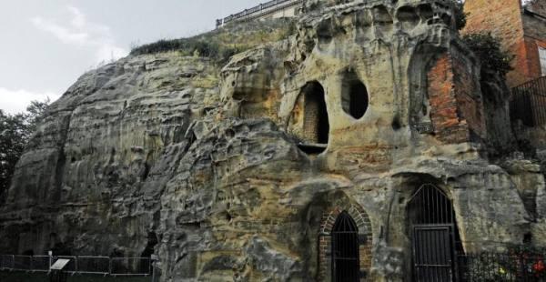بالصور الكهوف القديمة في نوتنغهام بانجلترا - موقع العلم للعرب
