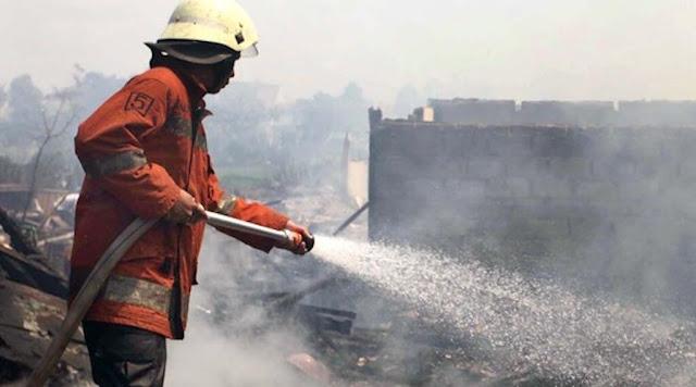 Diduga Korsleting Listrik, Dua Toko di Kota Bogor Hangus Terbakar