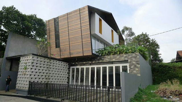 Unique Shape 2 Floor House Design