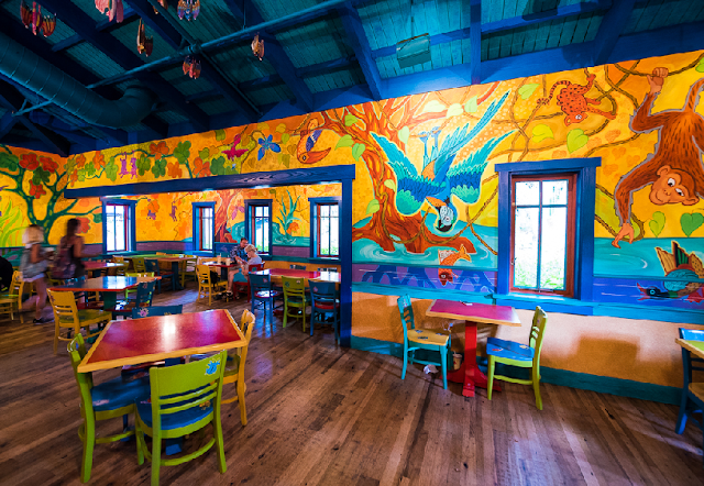Pizzafari no Animal Kingdom em Orlando: interior