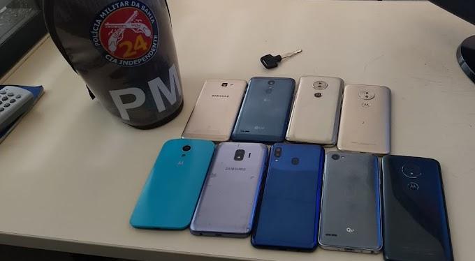 Polícia Militar conduz três pessoas acusadas de roubos de celulares na região de Jacobina