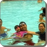 Manfaat berenang untuk menjaga kesehatan seluruh keluarga