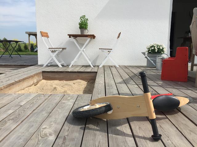 Lauflernrad auf Terrasse