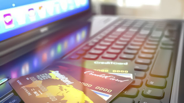 Perbandingan Pinjaman Online dan Kartu Kredit