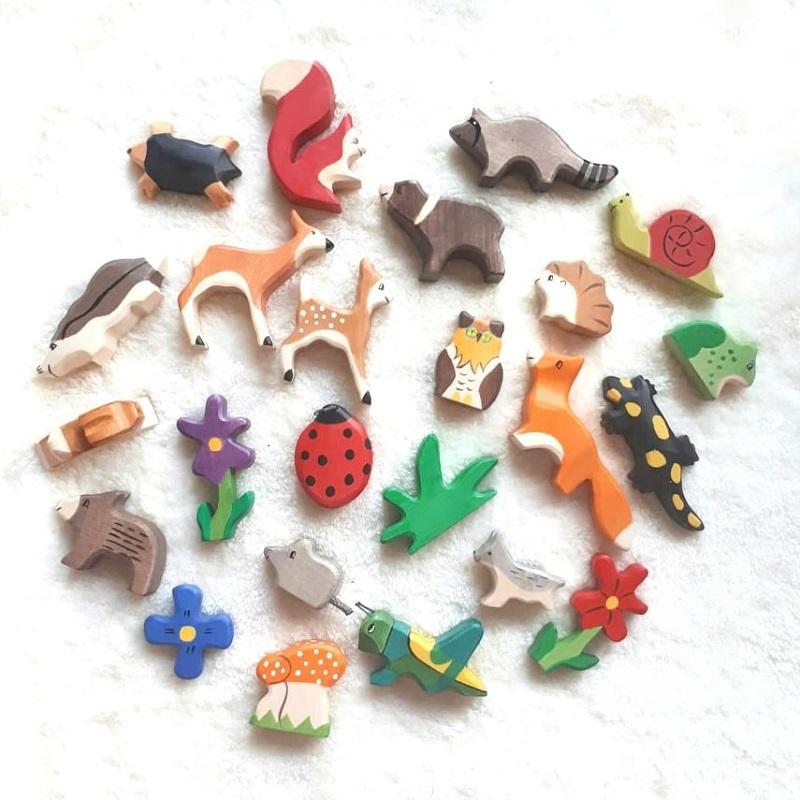 wood pecker animal advent set