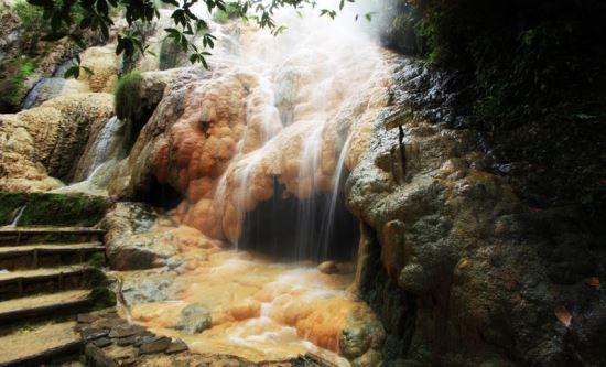 Goa sarabadak tempat wisata di purwokerto
