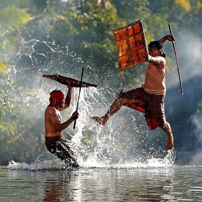 nilai dan pesan moral presean lombok - TOURISM INDONESIA