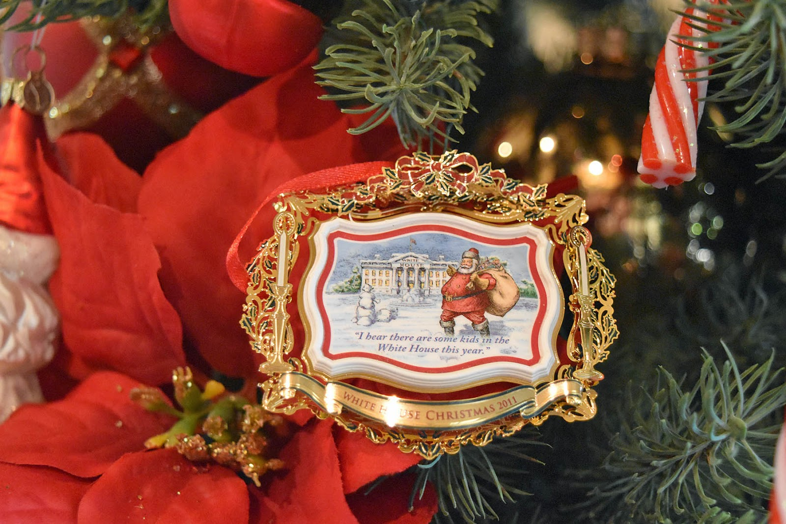 White house christmas ornaments by year - Santa Crossing The White House Lawn Exclaims I Hear There Are Kids In The White House This Year