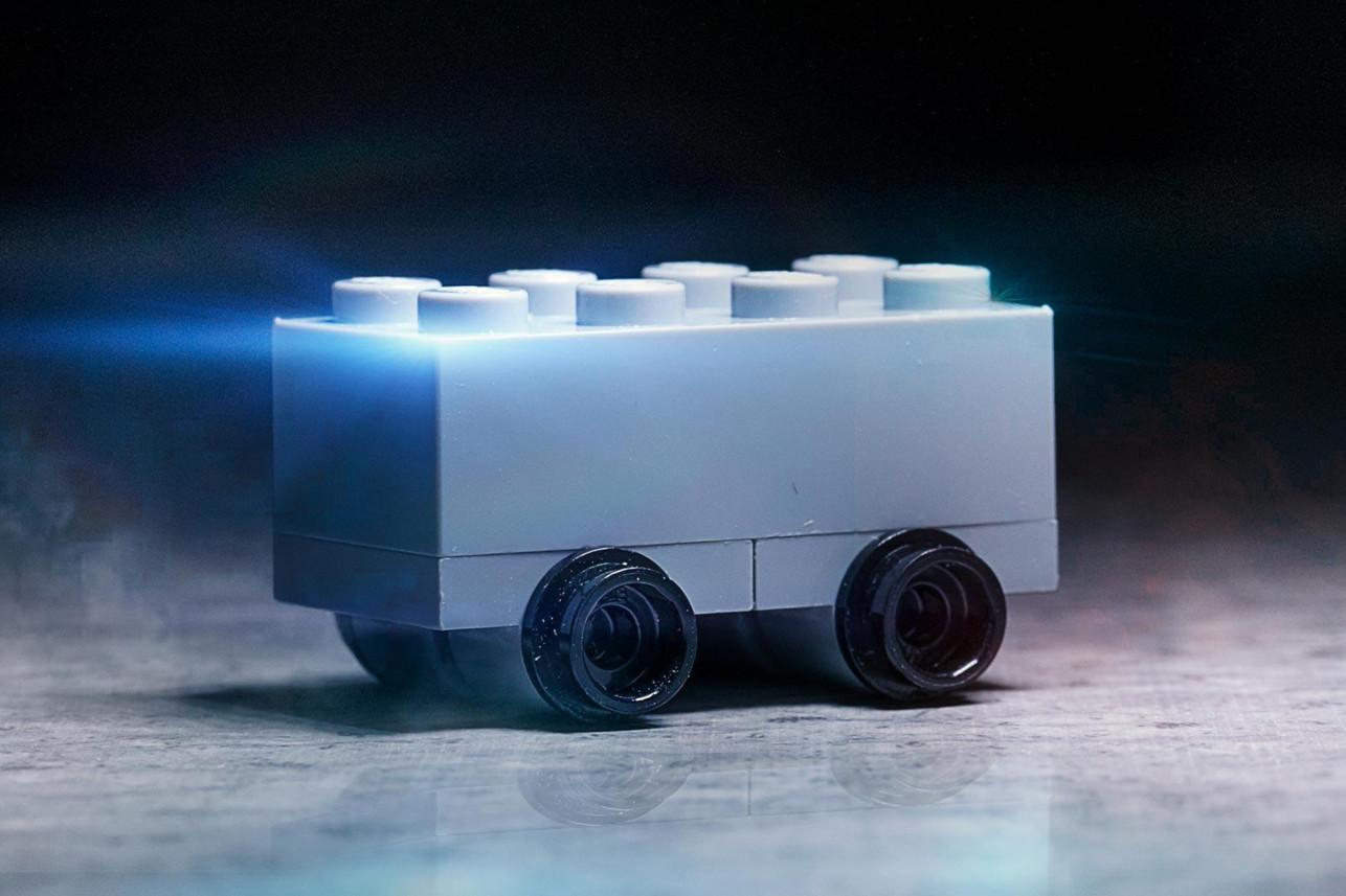 THECOCONUTWHISPERER : Escape from Egypt - Lego mocks Tesla ...