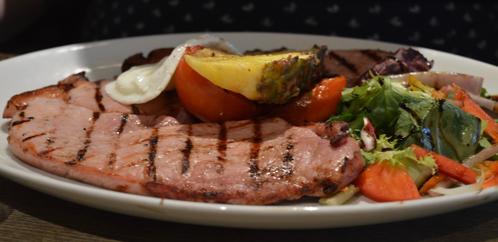 The Craster Arms, Beadnell   A Review featuring a very good Northumberland Country Pub.  - gammon steak