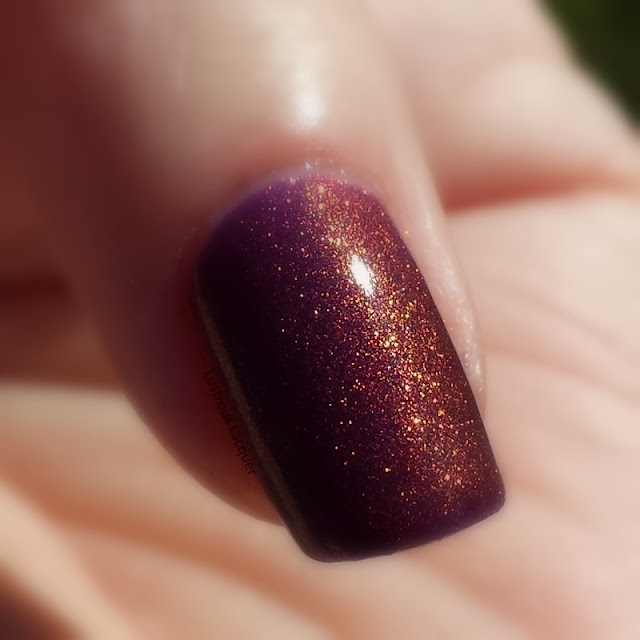 color-shifting-nail-polish