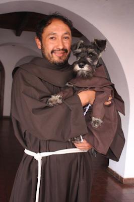 Монах із братом Усом