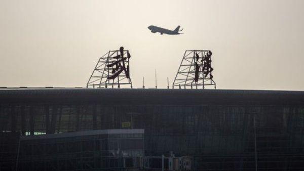 China restringe ingreso de vuelos internacionales por Covid-19
