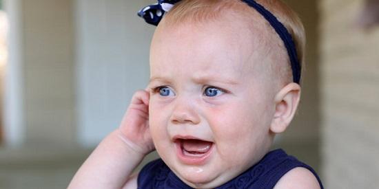 Mengatasi Infeksi Telinga Pada Bayi dan Pencegahannya | Kesehatan Bayi