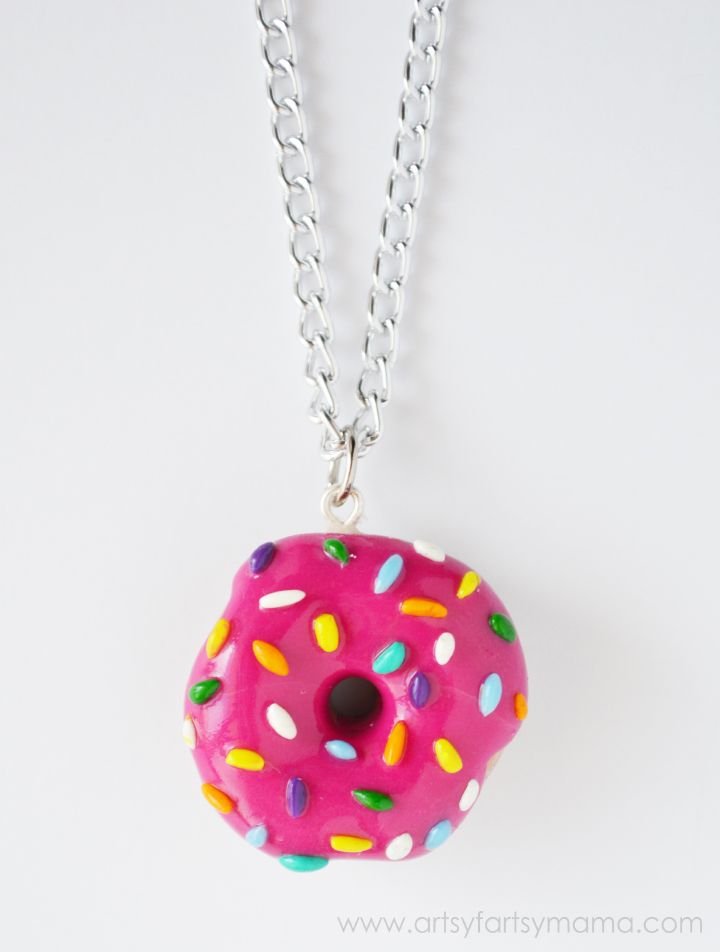 DIY Donut Necklace Tutorial at artsyfartsymama.com