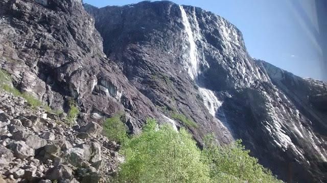 Montaña Jordalsnuten (@mibaulviajero)