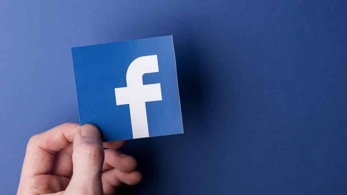 Facebook aposta em IA como novo recurso de moderação de conteúdo
