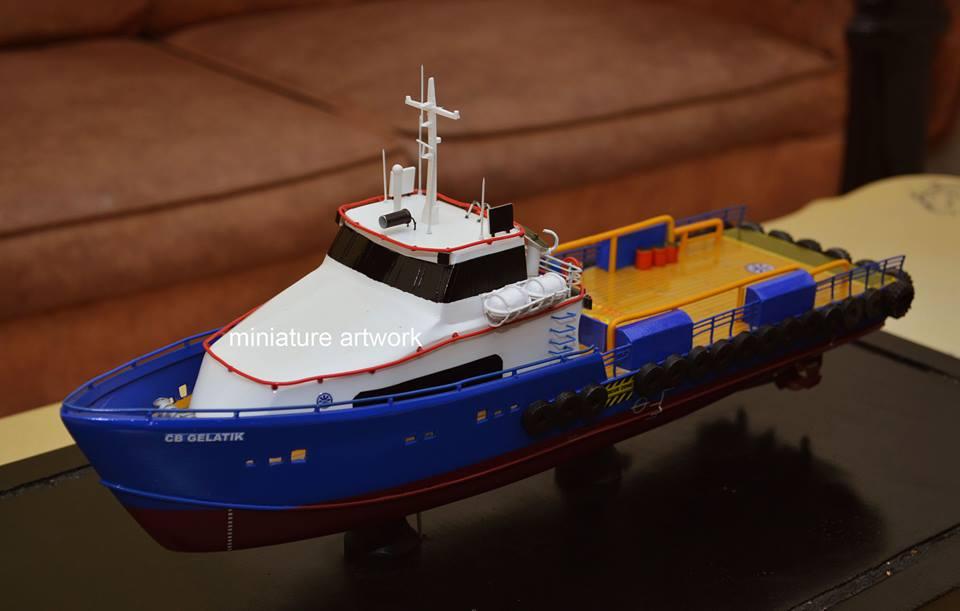 miniatur kapal crew boat cb gelatik pt baruna raya logistics rumpun artwork planet kapal indonesia