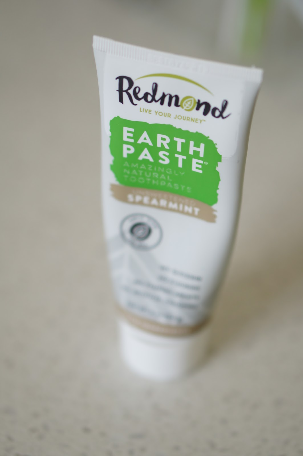 Rebecca Lately Grove Collaborative Redmond Earthpaste Review