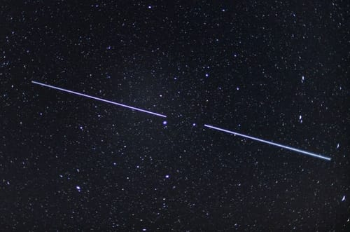 The OneWeb and SpaceX satellites avoid orbital collisions