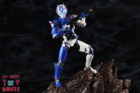 SH Figuarts Kamen Rider Vulcan Shooting Wolf 41