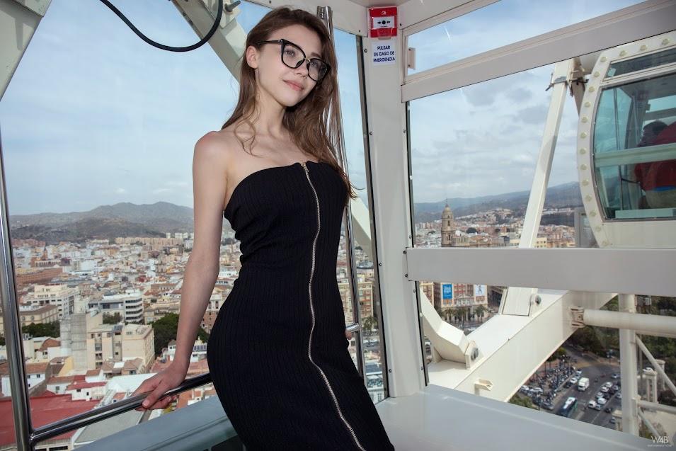 [Watch4Beauty] Milla - Fun On The Ferris Wheel