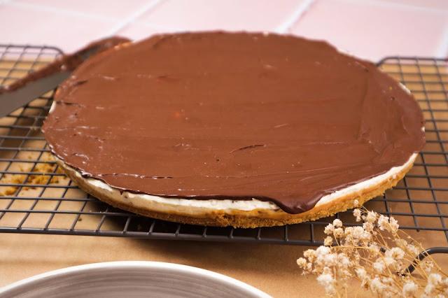 Cheesecake de Dois Chocolates e Doce de Leite