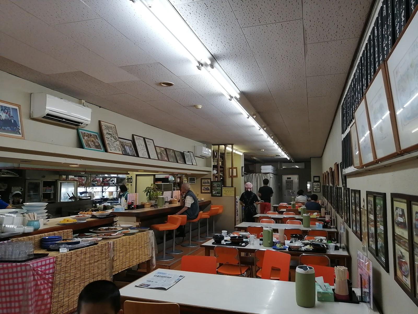 長崎水産食堂の店内の様子