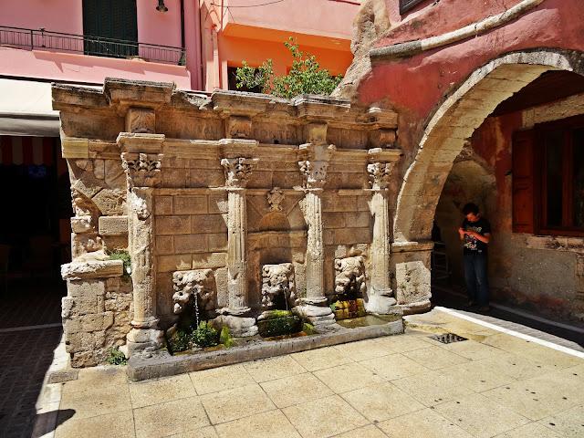 fontanna miasto Rethymno zabydki
