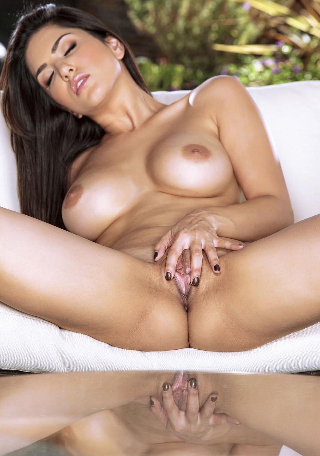 Sunny Leone Porn Photo