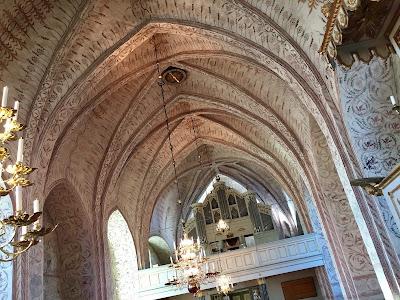 Inne i Tierps kyrka. Foto: Karin Lönnå