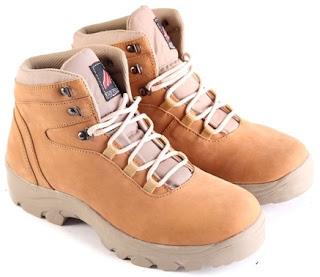 Sepatu Boots Pria Model Touring  L 158