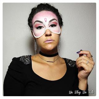http://www.unblogdefille.fr/2019/03/maquillage-de-carnaval-masque-perles.html