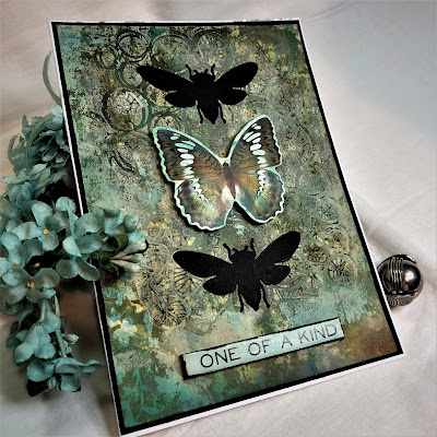 Sara Emily Barker https://sarascloset1.blogspot.com/2018/11/one-of-kind-mixed-media-card.html One of a Kind Mixed Media Card with Tim Holtz Stampers Anonymous, Sizzix Alterations, Ideaology and Distress 4