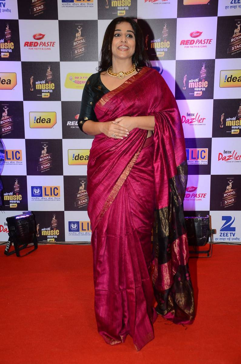 Vidya Balan At Mirchi Music Awards In Red Saree