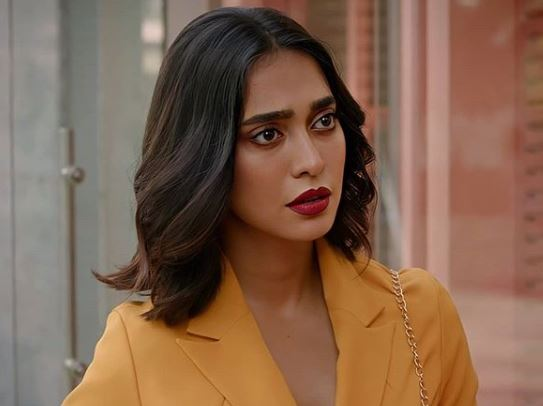 Sayani Gupta Biography - Family, Husband, Movies, Career & More