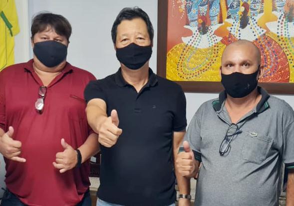 Vereador Sabão (PL, deputado Nishimori e o presidente municipal do do PL Osmar ALves do Rosário.