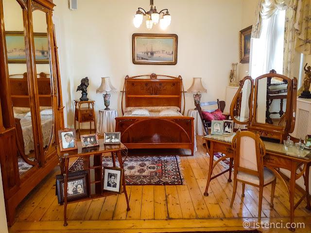 Barış Manço 81300 Müzesi: Yatak Odası