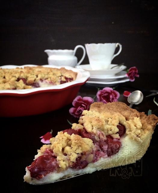 tartaleta de pudding y cerezas