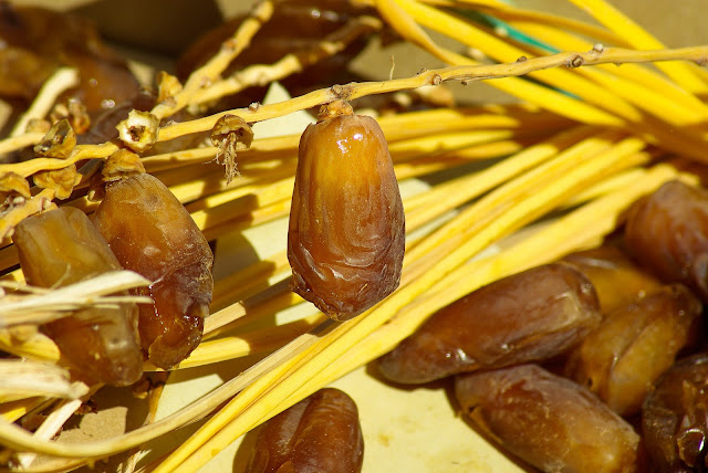 health benefits of eating dates, eating dates benefits, khajur khane ke fayde, khajur ke fayde